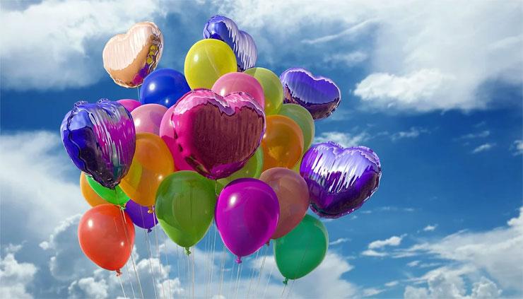 Ett fång färggranna ballonger