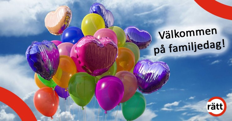 Ballonger i olika glada färger mot blå himmel med vita moln. Några ballonger är ovala, andra är hjärtformade.